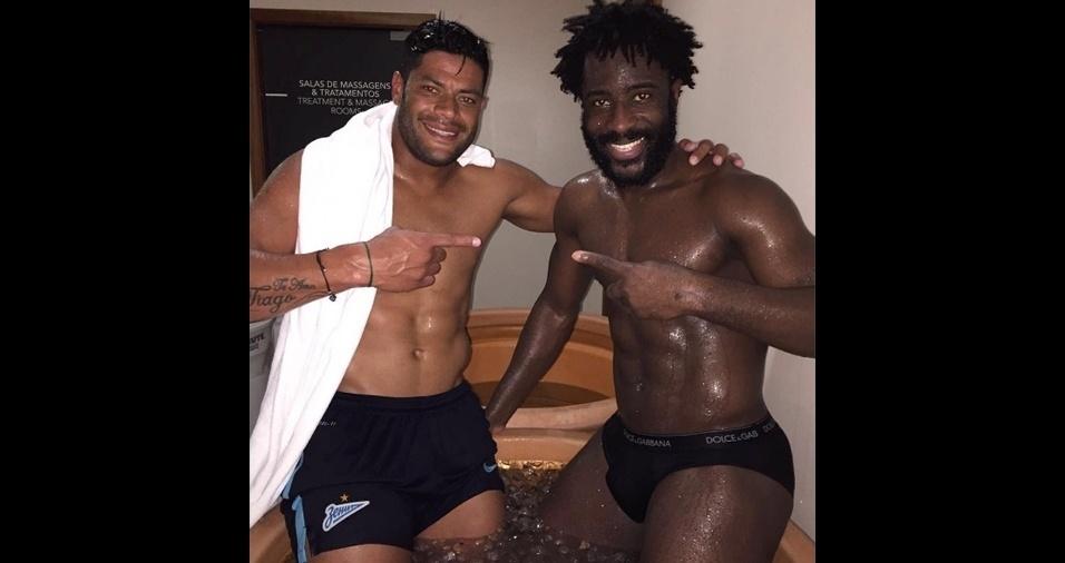 22. Hulk e Bony Wilfried. O brasileiro, que atualmente joga pelo Shanghai SIPG Football Club, e o marfinense, que atua pelo Manchester City