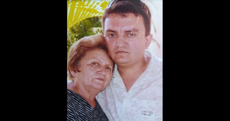 Fabricio Farias, de Viçosa (CE), apresenta sua mãe Zélia, que faleceu em 2005, mas de quem ele tem lembranças maravilhosas