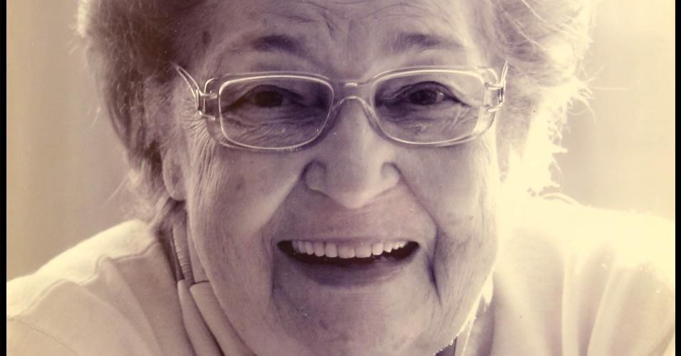 Apae-SP. Jô Clemente, de 90 anos, foi uma das mães que fundaram a associação Mãe de Zequinha, um menino que nasceu com Síndrome de Down, ela percebeu que seu filho tinha muitas chances de se desenvolver, só faltava informação nos anos 1960