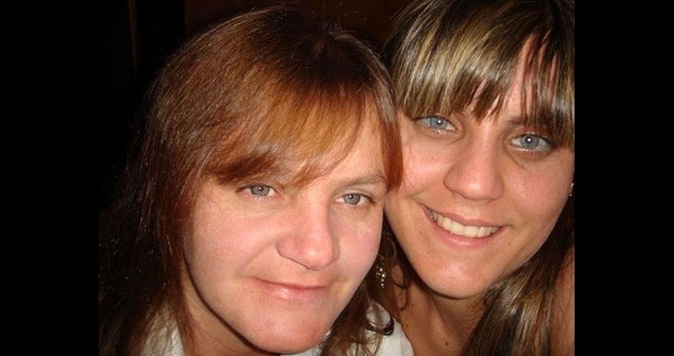 """Amanda fala da mãe, Alzira: """"Minha mãe já é falecida, mas o amor é muito além disso. Aliás, o amor dobra por causa disso, sinto saudades e gostaria muito de homenageá-la nesse dia tão especial."""""""