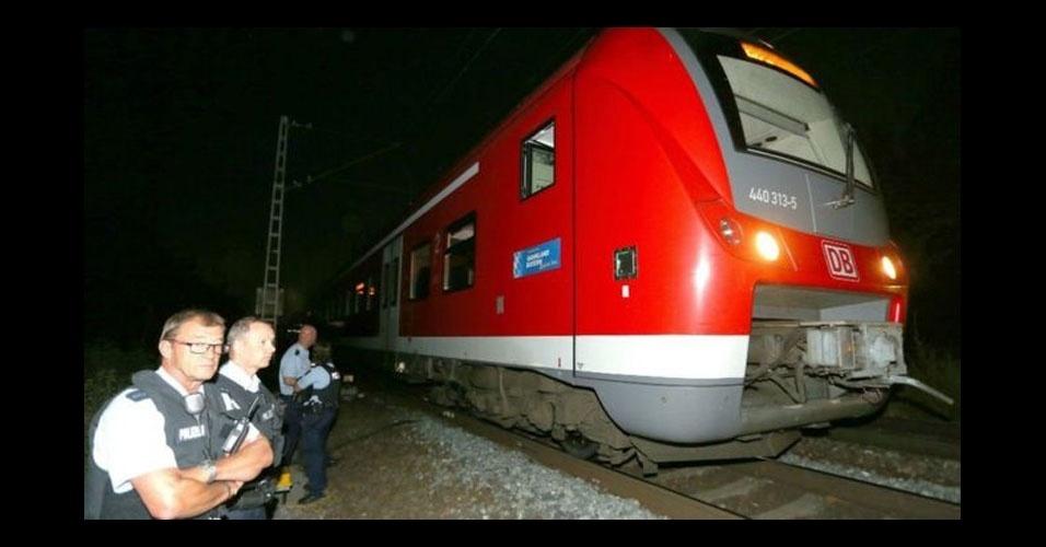 12. Würzburg, Alemanha. Um homem armado com um machado e uma faca feriu quatro passageiros de um trem no dia 18 de julho. O Estado Islâmico divulgou que o homem, um afegão de 17 anos, era um de seus combatentes