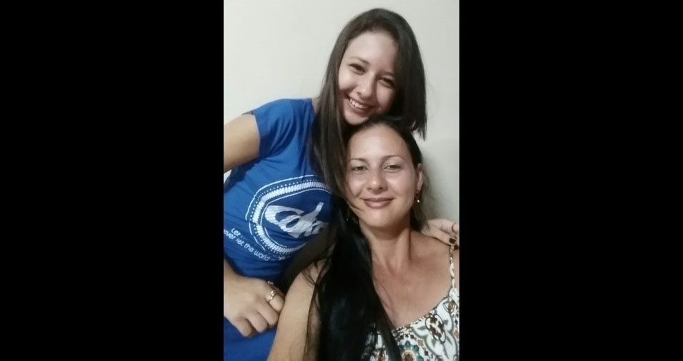 Maria Yaponira Mattos, de Largato (SE), com a filha Lana