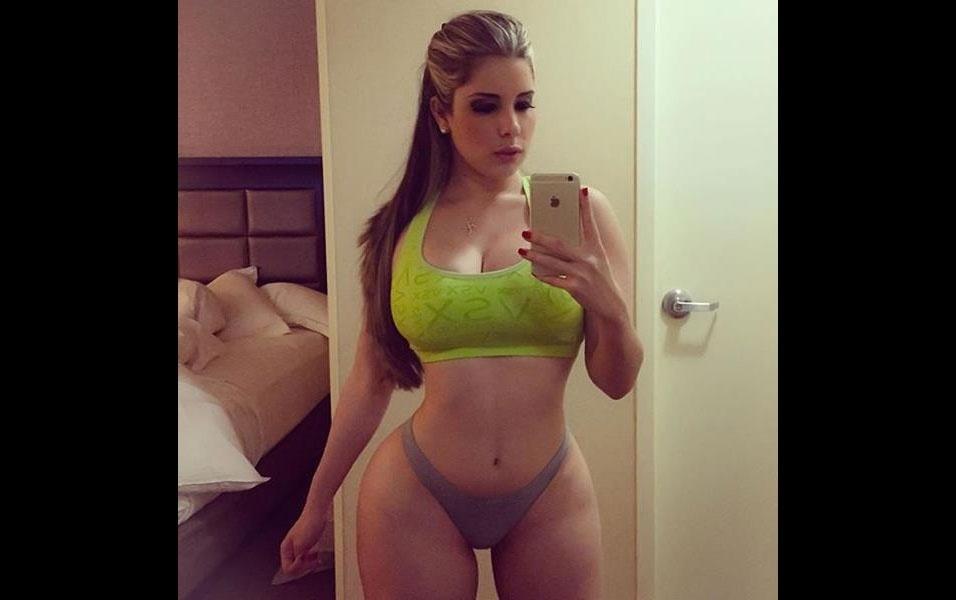 Kathy Ferreiro exibe toda a sua exuberância no Instagram