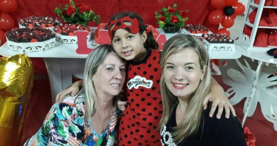 De Itatinga (SP), recebemos a foto de Luciana, Maria e Lívia