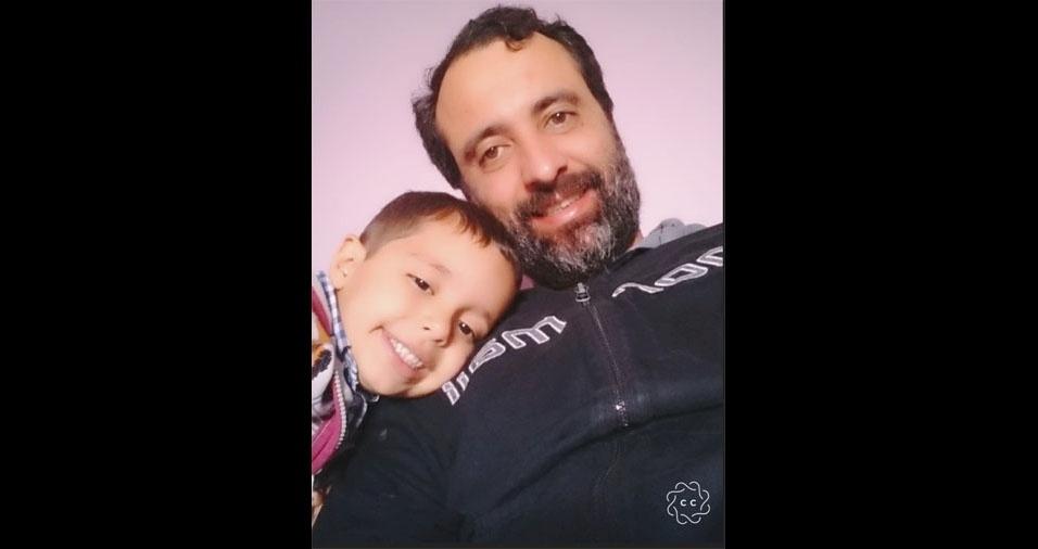 Saulo com o filho Rafael, de Embu das Artes (SP)