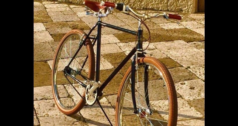 21. Você encontra câmaras de ar coloridas online e nas lojas especializadas. Sem dúvidas a bicicleta fica super chique com pneus coloridos