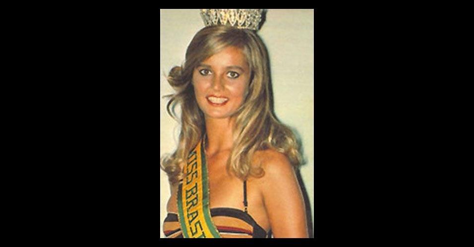 11. Adriana Alves de Oliveira - a Miss Rio de Janeiro de 1981 venceu a categoria Melhor Traje Típico e ficou com o 4º lugar do Miss Universo