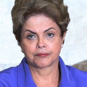 Dilma afirmou que está dialogando com senadores para conseguir votos contra o impeachment