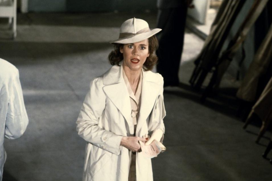 """1977 - No papel de Lilian em """"Júlia"""", Jane Fonda conquistou o Globo de Ouro e o Bafta de melhor atriz, além da indicação ao Oscar na mesma categoria"""