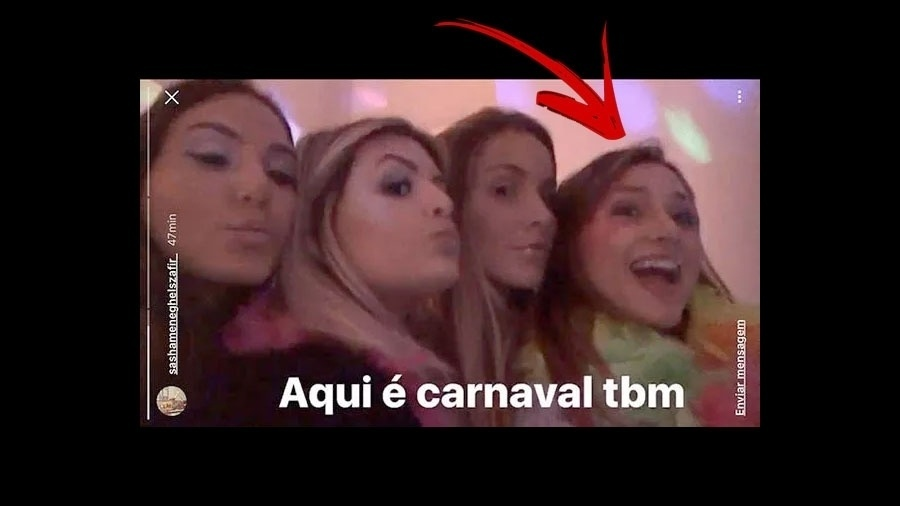 """26.fev.2017 - Sasha está vivendo em Nova York, mas não se esquece do Brasil. Prova disso é que ela publicou imagens de uma pequena festinha, que na verdade era aniversário de uma amiga por lá. """"Aqui é carnaval também"""", escreveu a filha de Xuxa na legenda"""