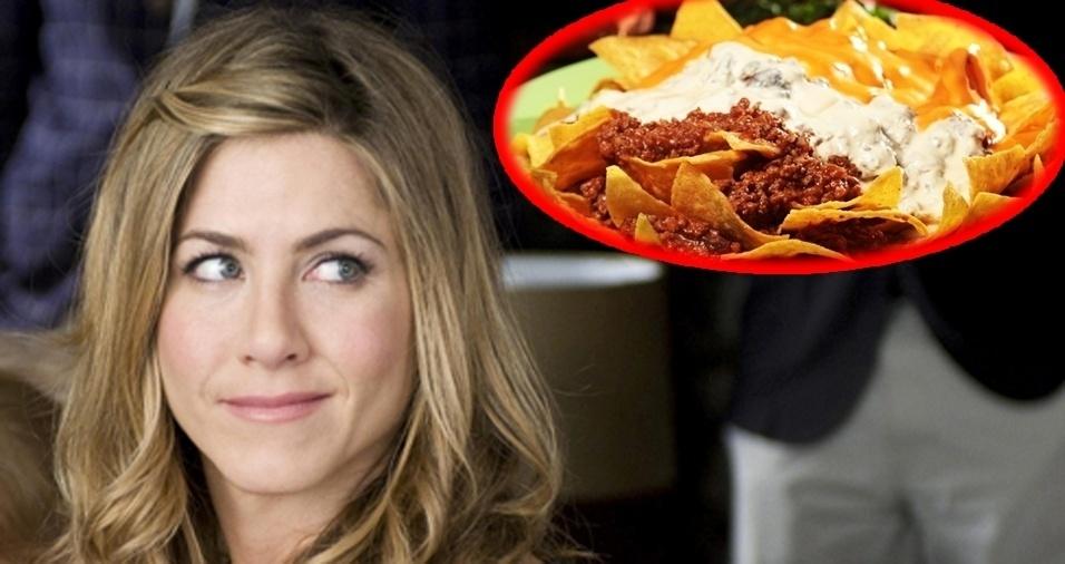 """12. Jennifer Aniston - Nachos. Ela que ama a culinária mexicana já fez uma declaração inusitada para a revista """"Self?: """"A comida que eu amo, tanto que se caísse no chão eu comeria do mesmo jeito, é nachos"""""""
