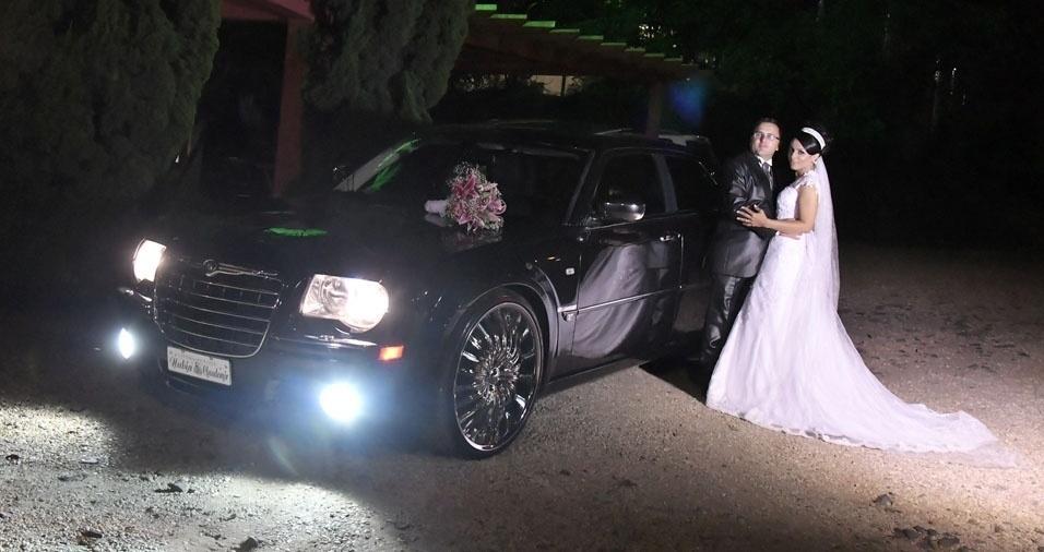 """Núbia Alves Vitor e Claudemir Vitor casaram-se em 17 de dezembro de 2016, """"depois de 19 anos juntos"""", na Igreja Evangélica Comunidade Maranata, em Salto (SP)"""
