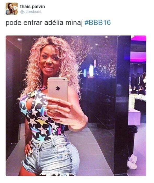 """19.jan.2016 - Adélia também ganhou outra comparação artística em seu currículo como uma """"quase BBB"""": a cantora Nicki Minaj. Sabe o motivo? As duas tem um bumbum bastante avantajado"""