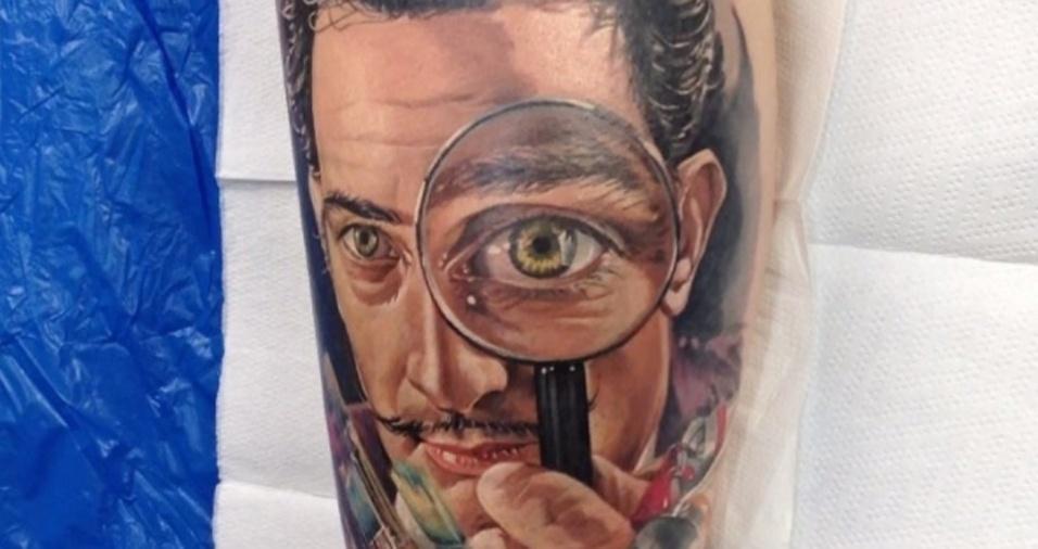 14. O tatuador acompanha a obra depois de pronta e posta imagens de como está indo a cicatrização de seus desenhos mais complexos