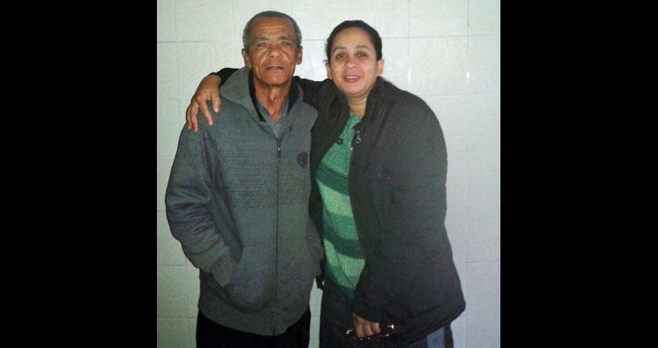 """""""Esse é  meu super pai, vencedor de um câncer maligno. Residimos em Osasco (SP). Meu herói Manoel Sebastião de Souza"""", conta Kelly Cristina"""
