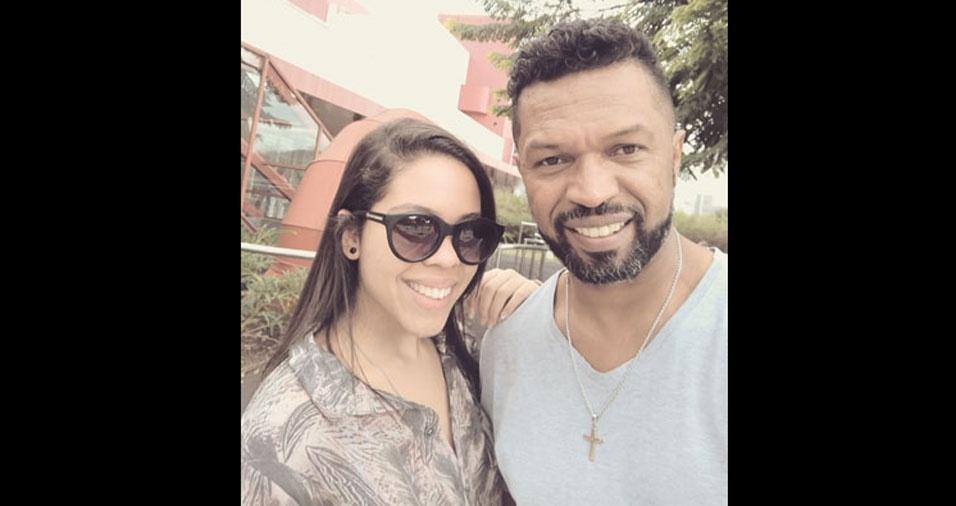 """A Gabriela quer comemorar o dia dos pais com seu pai Carlinhos no BOL, """"o melhor site de entretenimento"""""""