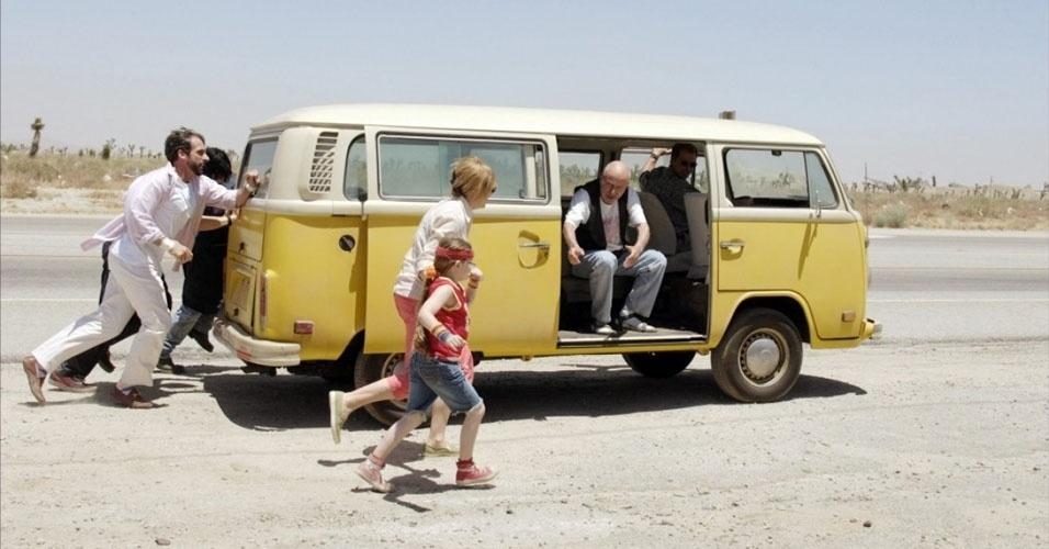 """16. Em 2006, uma Kombi amarela modelo Clipper foi protagonista do filme """"Pequena Miss Sunshine"""", de Jonathan Dayton e Valerie Faris"""