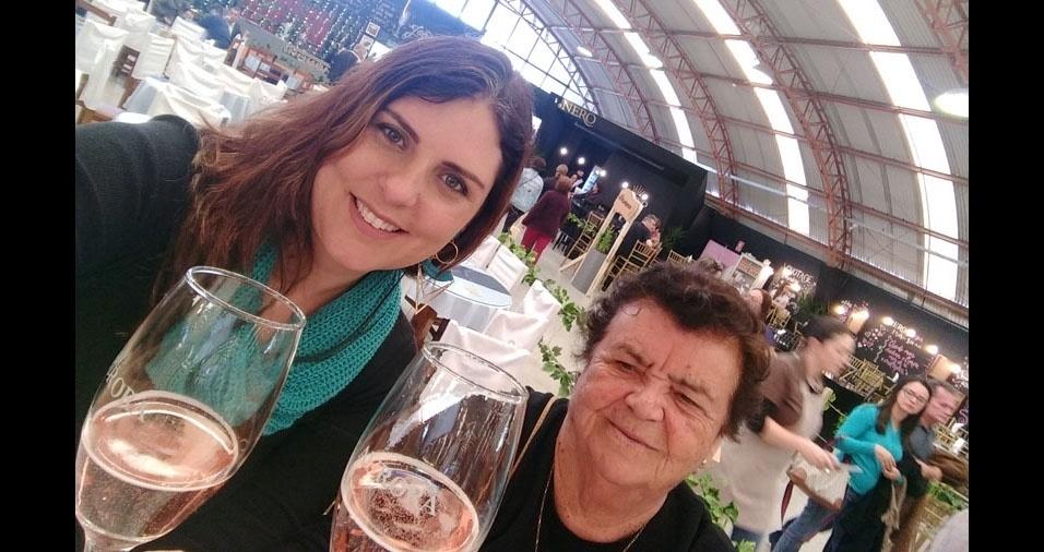 Vanessa Fermino Torres com a avó Lorena Schutz Torres, de Sapiranga (RS)