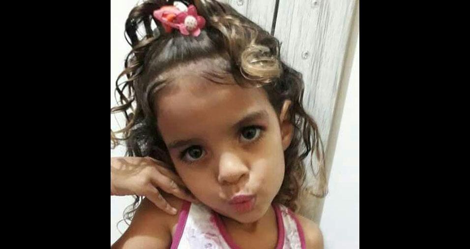 De Barueri (SP), a Daniela Gonçalves Nunes mandou foto da Alice Nunes