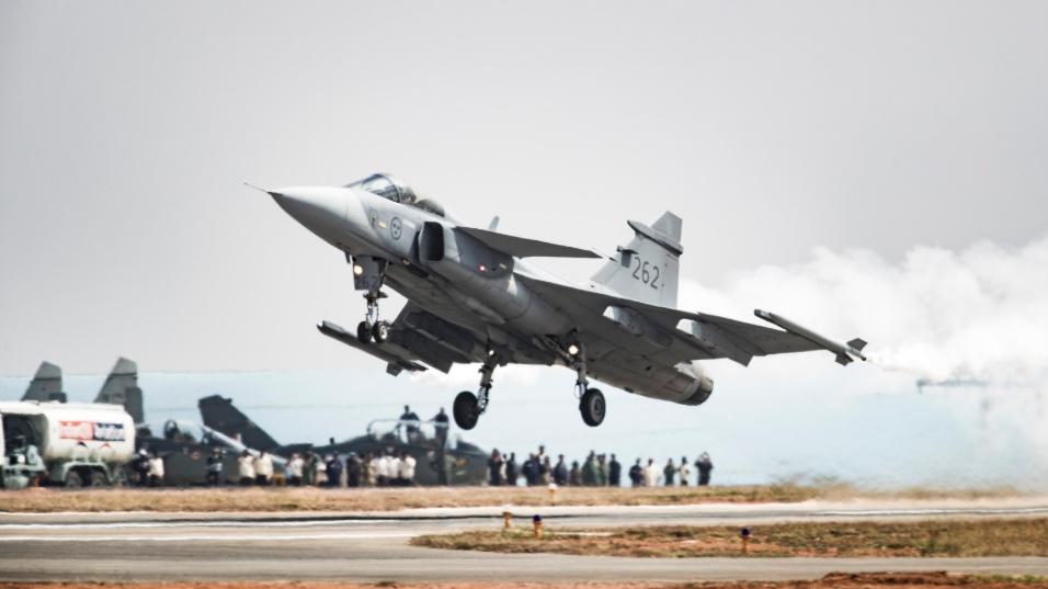 2017 - Saab Gripen é apresentado na feira Aero India