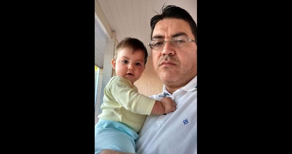 Papai Marcos com seu filho João Lucas, de Primavera (SP)