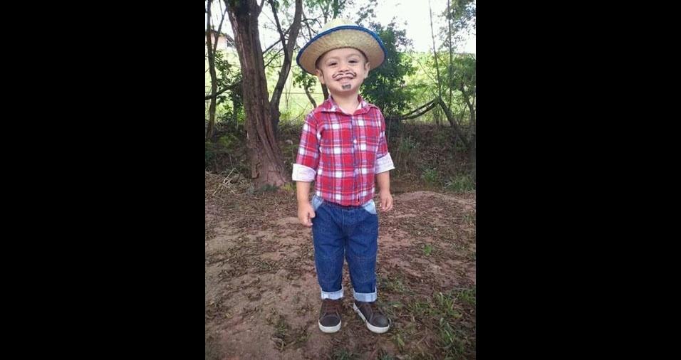 João Lucas Cota, dois anos, o caipirinha mais lindo do mundo na opinião da mamãe Flávia Cota, de Ipatinga (MG)