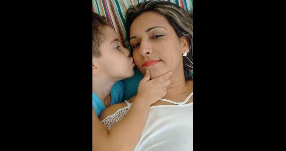 Mônica Monteiro de Azevedo com o Filho Joan Henrique, de Campos dos Goytacazes (RJ)