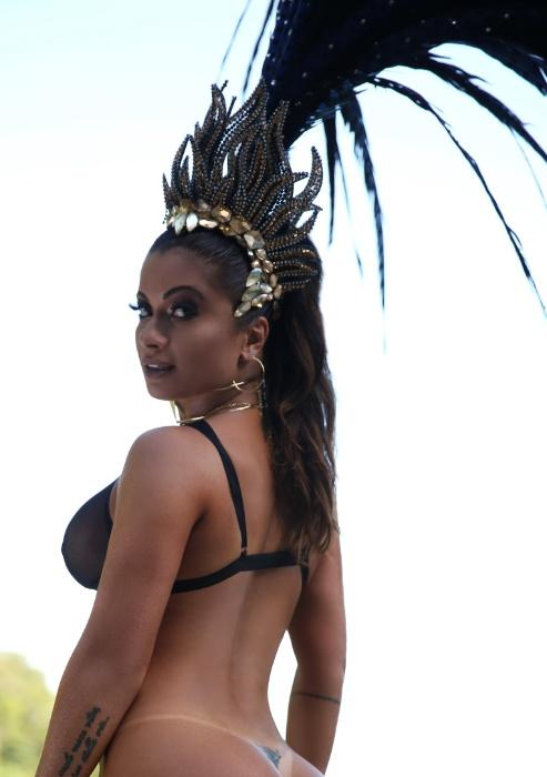 7.fev.2017 -  Dani Sperle em ensaio sensual para o site Diamond Brazil