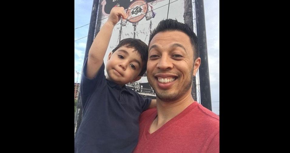 Papai Richard com o filho Bruno, de São Bernardo do Campo (SP)