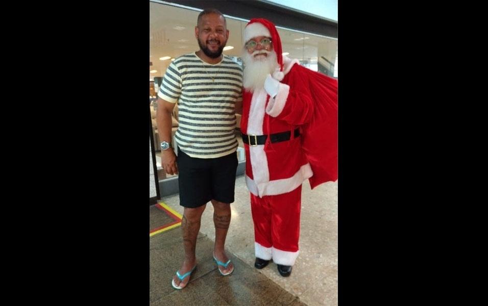 Ângelo Dias Coutinho, de Salvador (BA), compartilha clique com o Papai Noel