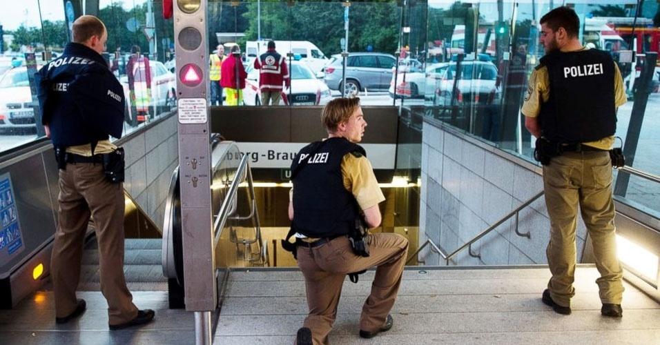 13. Munique, Alemanha. Uma série de tiroteios dentro de um shopping center deixou, pelo menos, oito mortos e diversos feridos, em 22 de julho