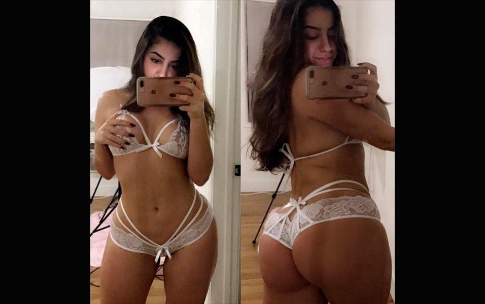 7.fev.2017 - Lena continua dando show de sensualidade com suas selfies em frente ao espelho