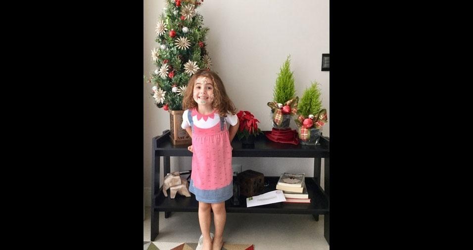 Jane Lima e Sérgio Gomes,de Santana de Parnaíba (SP), enviaram foto da filha Clara, de quatro anos, animada para o Natal