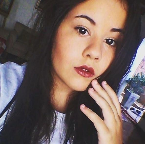 """6.mai.2016 - Ana Karolina Lannes aparece de maquiagem e recebe elogios dos seguidores após três anos da novela """"Avenida Brasil"""""""