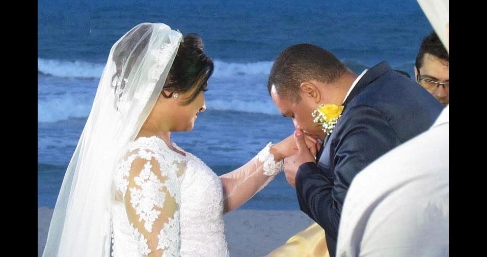 André Luis e Maria Cilene casaram-se no dia 7 de maio de 2017, na Praia do Futuro, em Fortaleza (CE)