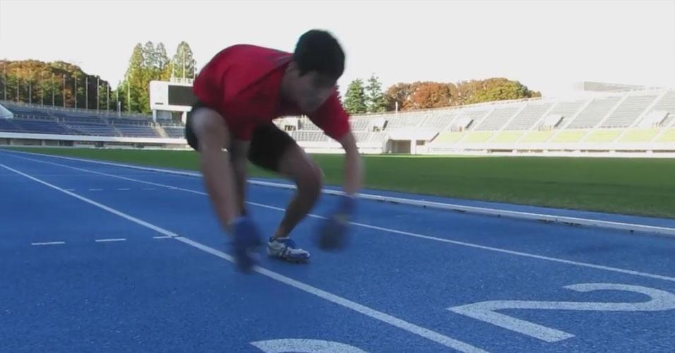 53. Katsumi Tamakoshi é o atleta mais rápido em corrida de quatro patas (ou, se preferir, dois pés e duas mãos). Ele alcançou a marca de 100 metros em 15,86 segundos, em novembro de 2014, no Japão.