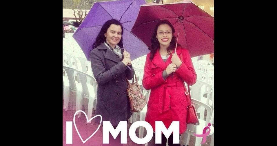 Jociely de Almeida Martins, deJundiaí (SP), com a mãe Jocelene