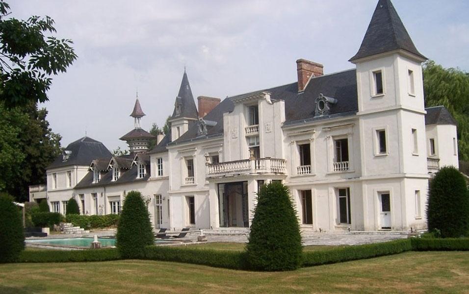 Conhecido 24 castelos europeus que você pode comprar, se ganhar na Mega-Sena  NE33