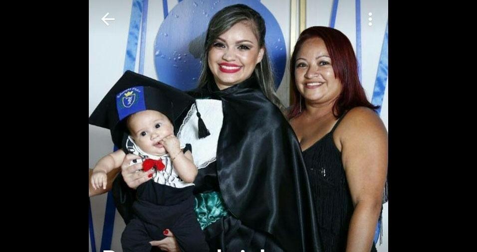 Três gerações: Rayane com a mãe Rosilar e o filho Pedro Lucas