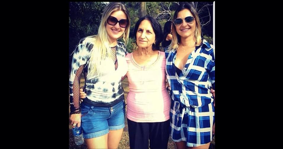 """As netas Fernanda Liberali e Kellen Liberali, de São João da Boa Vista (SP), com a vovó Irene: """"Nossa princesa"""""""