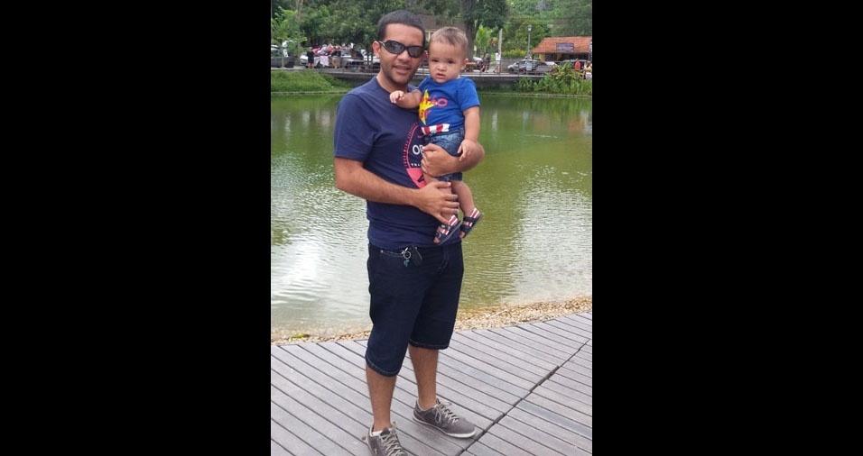 Thiago com o filho Lucas Bento