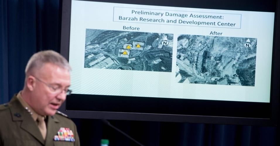 Tenente-general Kenneth F. McKenzie apresenta alvos militares destruídos no ataque à Damasco, na Síria, durante entrevista coletiva no Pentágono na manhã deste sábado (14)