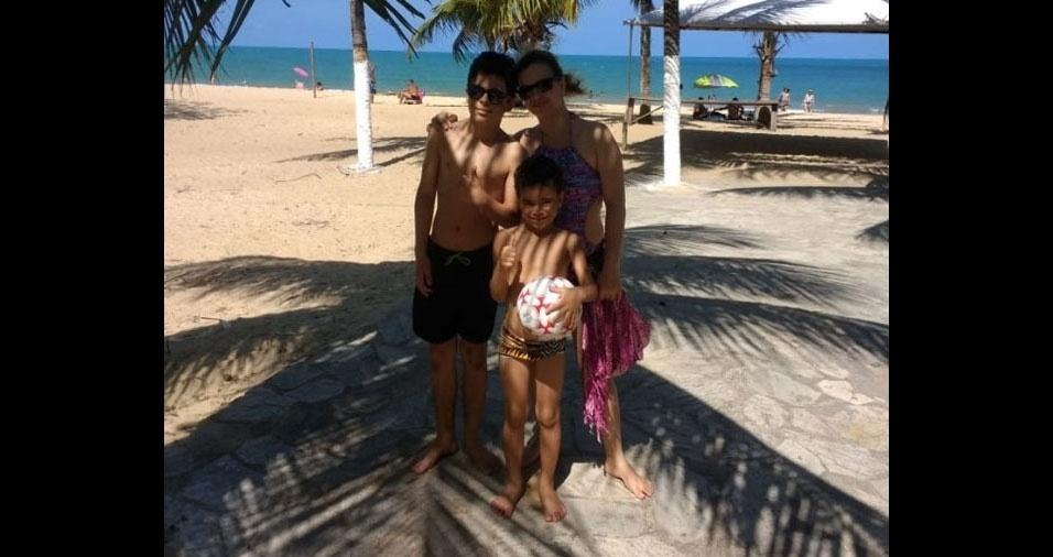 Sheila com os filhos  Jhony Pires e Gustavo Pires