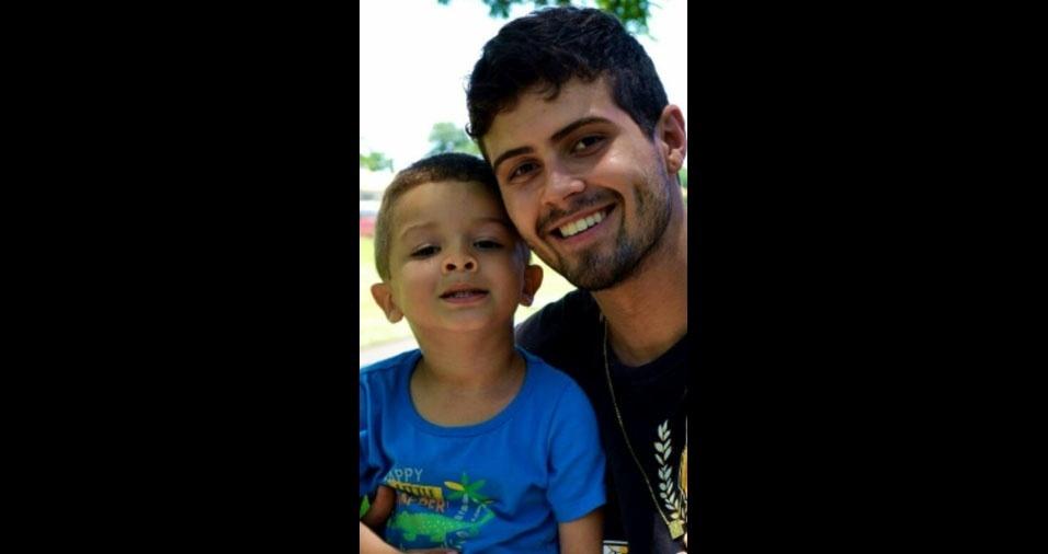 Papai Pablo Gonçalves Severo com seu filho Bryan, de Foz do Iguaçu (RJ)