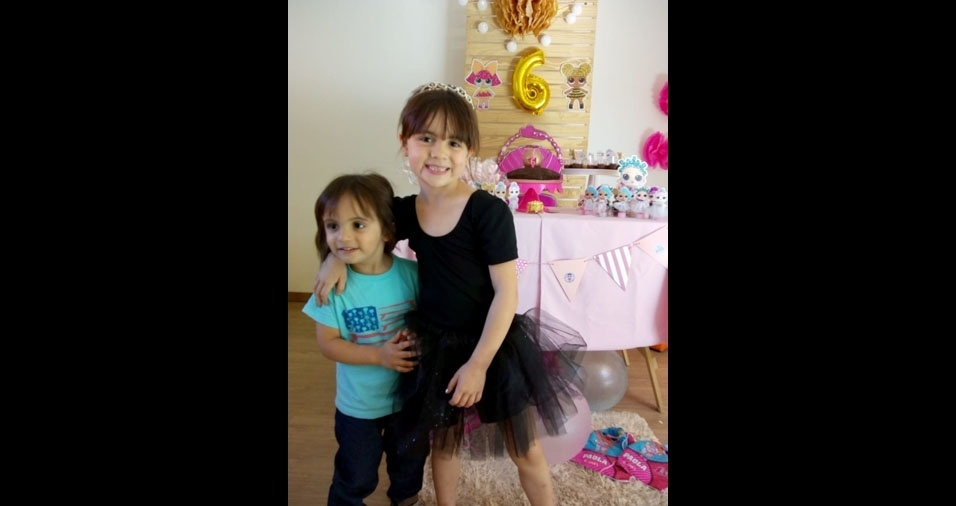 Tatiane Cristine Ayres Munhoz Rolle de Souza enviou foto dos filhos Paola, seis anos, e Enzo, dois anos. A família mora em Curitiba (PR)