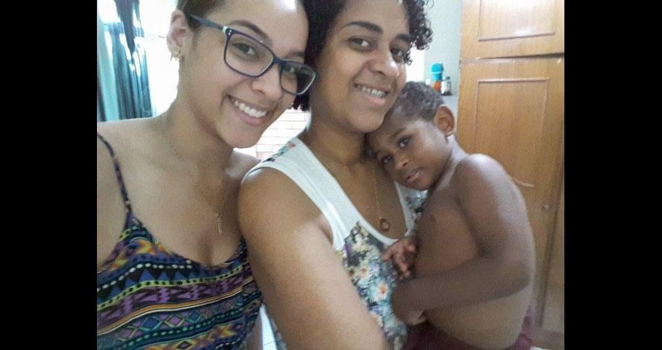Flávia Nascimento com os filhos Larissa e João Pedro, de Volta Redonda (RJ)