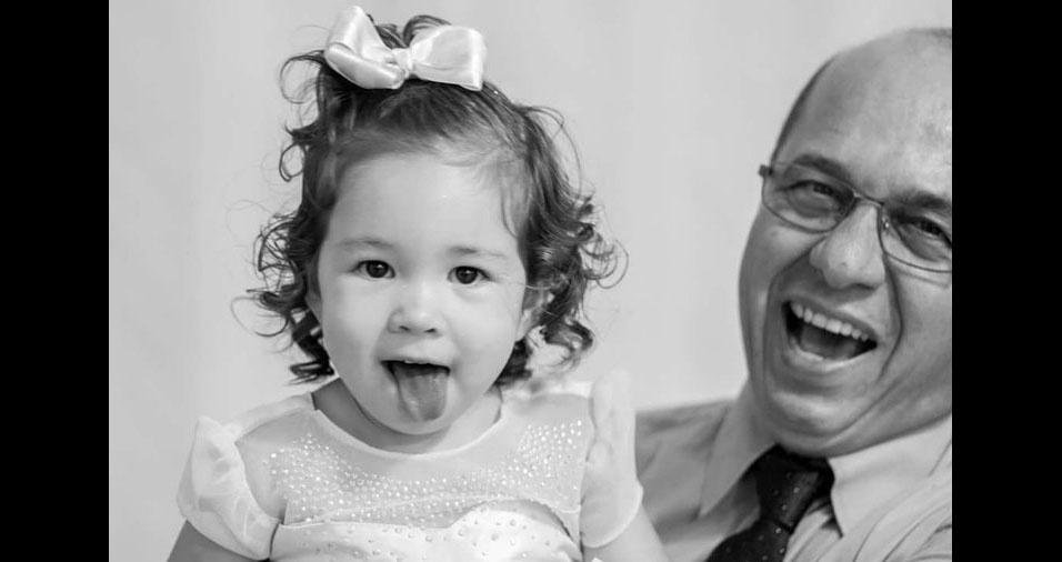 Edilson com a neta Luisa