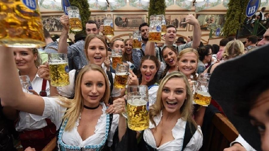 Cancelamento da Oktoberfest foi anunciado na tarde de hoje pelo prefeito Mário Hildebrandt e seu secretário de Saúde - Reprodução/Trip Tri