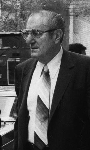 Paul Castellano foi o chefe da família Gambino, a maior família da Cosa Nostra nos anos 70 e 80, até a sua morte, em 1985, quando o chefão tinha 70 anos. Castellano foi assassinado por John Gotti, um ambicioso subalterno da organização que usurpou o trono do antigo chefe