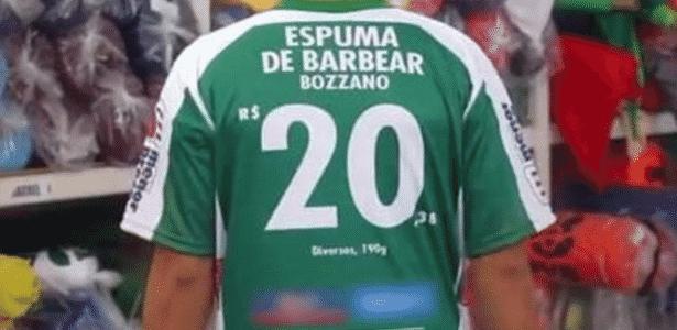 O gerente ficou louco  Supermercado anuncia preços na camisa de ... e1de8a00704a8